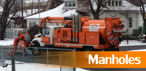 Vacuum Truck Cleaning Manhole - Sewer Service